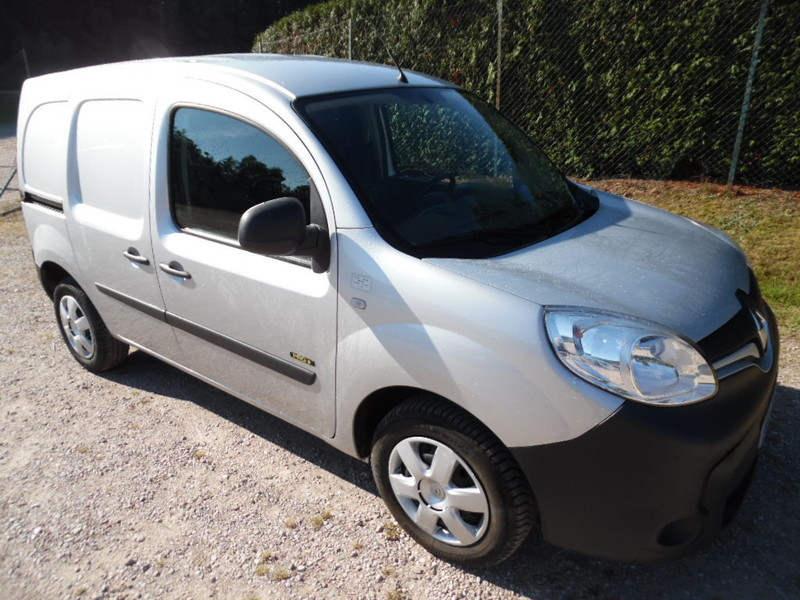 renault kangoo ii ph2 ste 1 5 dci 90 pro 3 places 18414 kms garage gester vente de voitures d. Black Bedroom Furniture Sets. Home Design Ideas