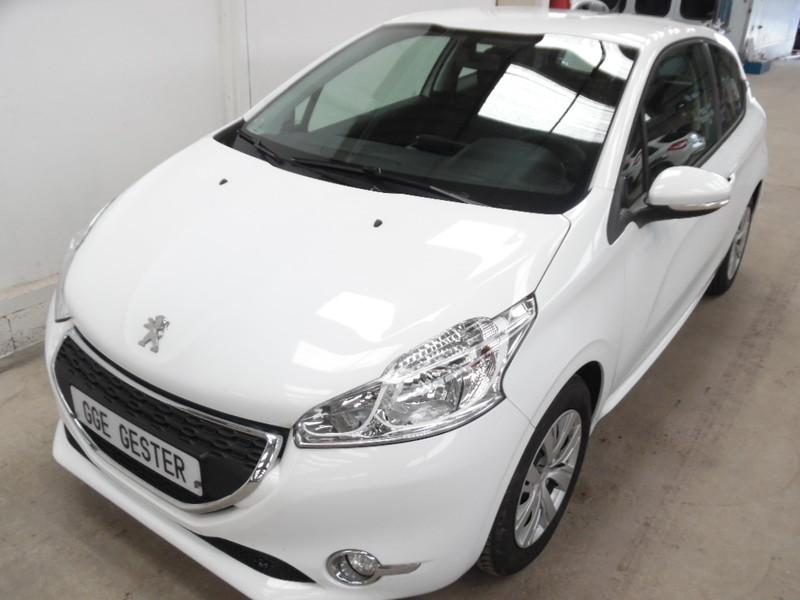 Peugeot 208 1 4 hdi active gps 3 portes 56423 kms garage for Garage seat vosges