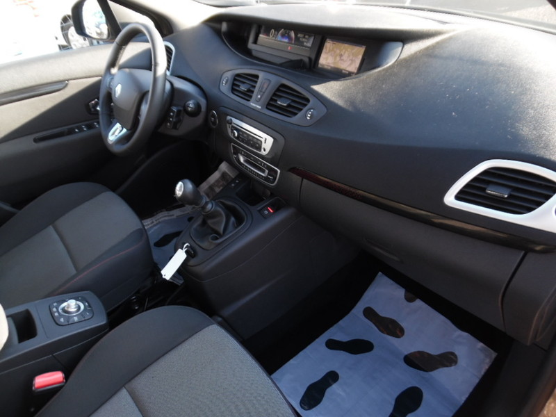Renault grand scenic iii ph2 1 5 dci 110 gps 28334 kms for Garage seat vosges